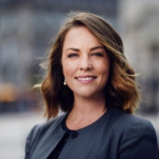 Alexandra McGuigan Named APAC Director, 100 Women in Finance