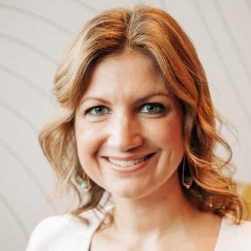 Profile Claire Van Wyk-Allan