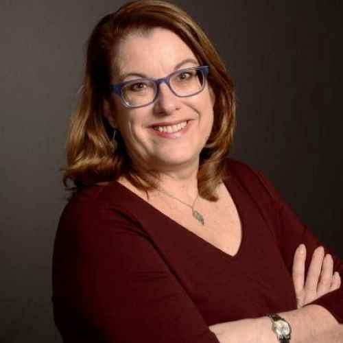 Profile Deborah Hill