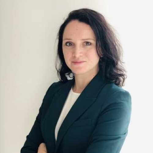 Profile Natalja Sesterikova, CFA, CAIA